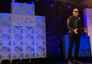 Host Kenny Aronoff gets the show started