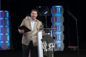 Jason Cribbs accepts Indispensable Technology Video CreateLED 3 Dimensional LED Display